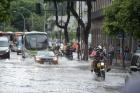 Chuva forte provoca alagamentos em vários pontos do Rio