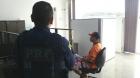 Homem vai buscar BO de acidente na PRF e fica preso. Descobriram que ele devia