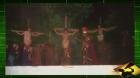 O homem que SALVOU JESUS do Império Romano. Motoqueiro invade encenação da ´Paixão de Cristo´ e usa capacete como arma
