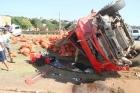 Caminhão de CEBOLA: Caminhoneiro ia filmar um acidente e acaba no meio de outro ACIDENTE com 12 veículos na BR-381, Partage, BETIM/MG