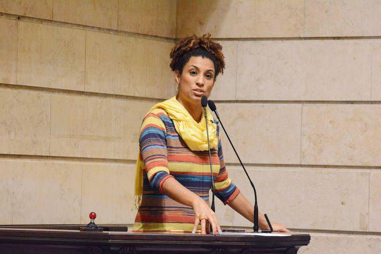 Polícia cumpre mandados contra envolvidos na morte de Marielle