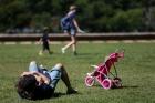Dura??o de licen?a-paternidade refor?a desigualdade na cria??o dos filhos