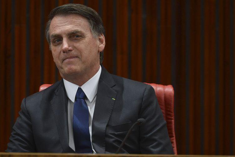 Bolsonaro estudar aumentar validade da CNH de 5 para 10 anos