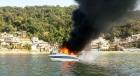 Lancha pega fogo e CASAL ? salvo por patrulha ambiental em S?o Vicente/SP