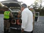 Homem confessa `a pol?cia que bebeu 1 litro de pinga e estava ao volante em Barbacena. MG / BR265
