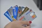 Percentual de famílias endividadas sobe de 59% para 62,2%. Cartão de crédito continua sendo maior vilão