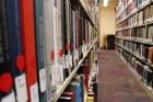 Uma biblioteca sem livros? Universidade lista 170 mil volumes que quer EXPURGAR do acervo. Consórcio quer manter livros impressos, mas há controvérsias!