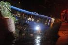 Vídeo: Ônibus da linha 305 despenca em córrego e mata 5 pessoas na região do Barreiro, BH/MG