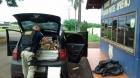 Volkswagen Fox transitava pela BR-163 com MEIA TONELADA de maconha no Paraná