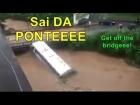 Petrópolis / RJ: Enxurrada ARRASTA um ÔNIBUS da 1001 para dentro do Rio Piabanha e assusta pela força da água