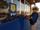 VÍDEO: TVs LED Full HD na verdade escondiam 16 pistolas dentro. PRF do Paraná apreende armas com destino ao RJ na BR-277